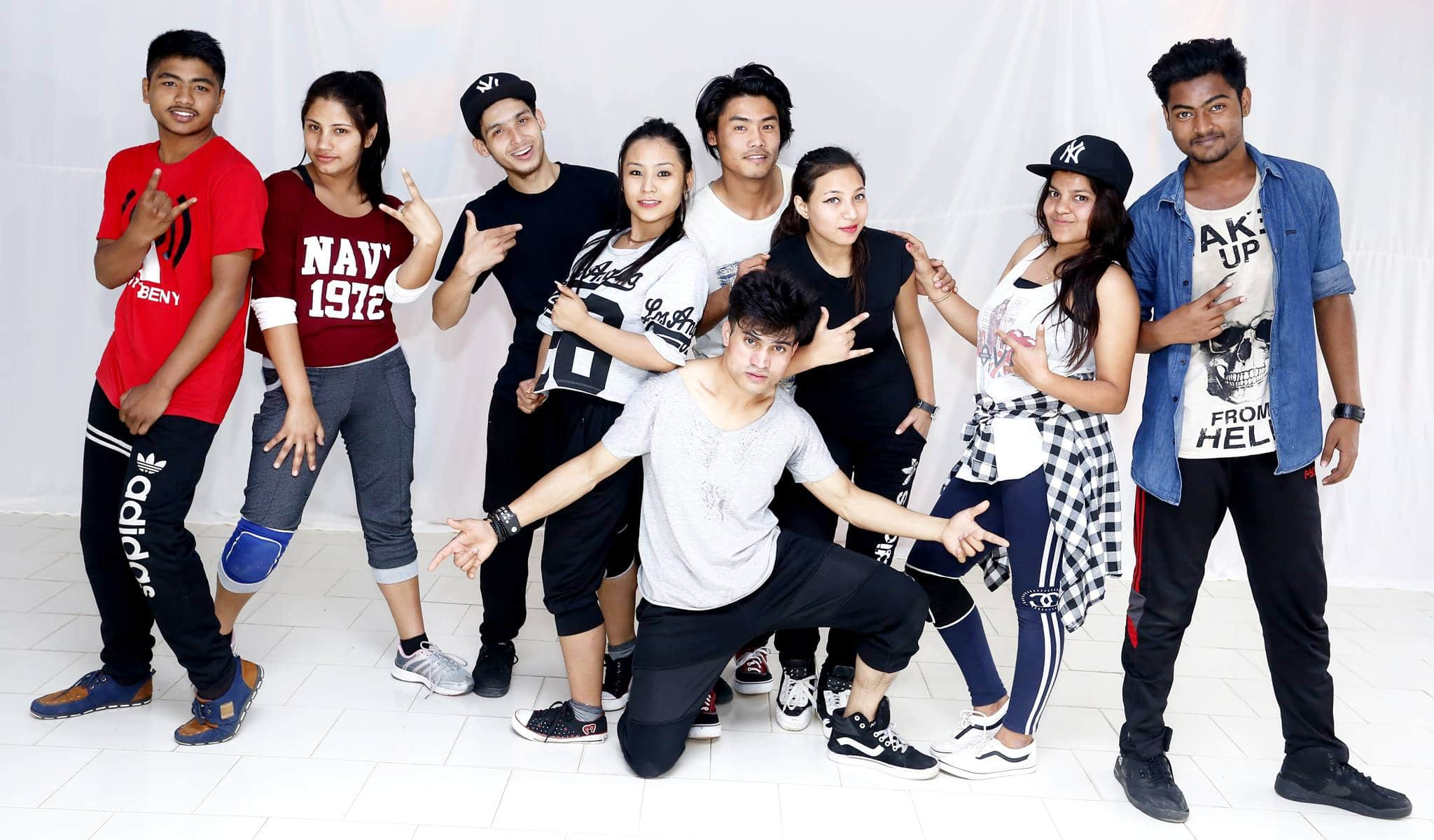 Vive & Wave Dance Crew